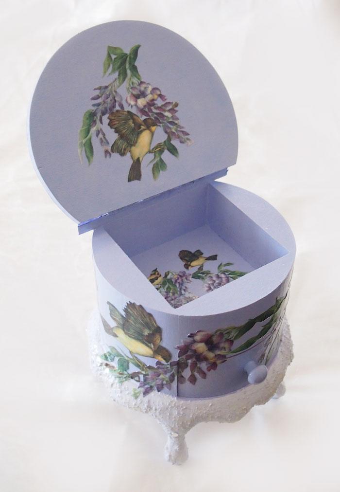 紫のジュエリーボックス
